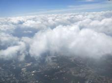 蓝天白 云